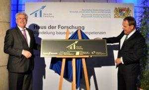 Bayerns Wirtschaftsminister Martin Zeil, Bayerns Wissenschaftsminister Dr. Wolfgang Heubisch