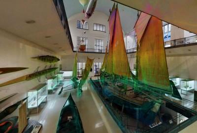 Ein Teil der Ausstellung Schifffahrt im Deutschen Museum, inkl. der so genannten Punktwolke, die beim Kartieren generiert wird.